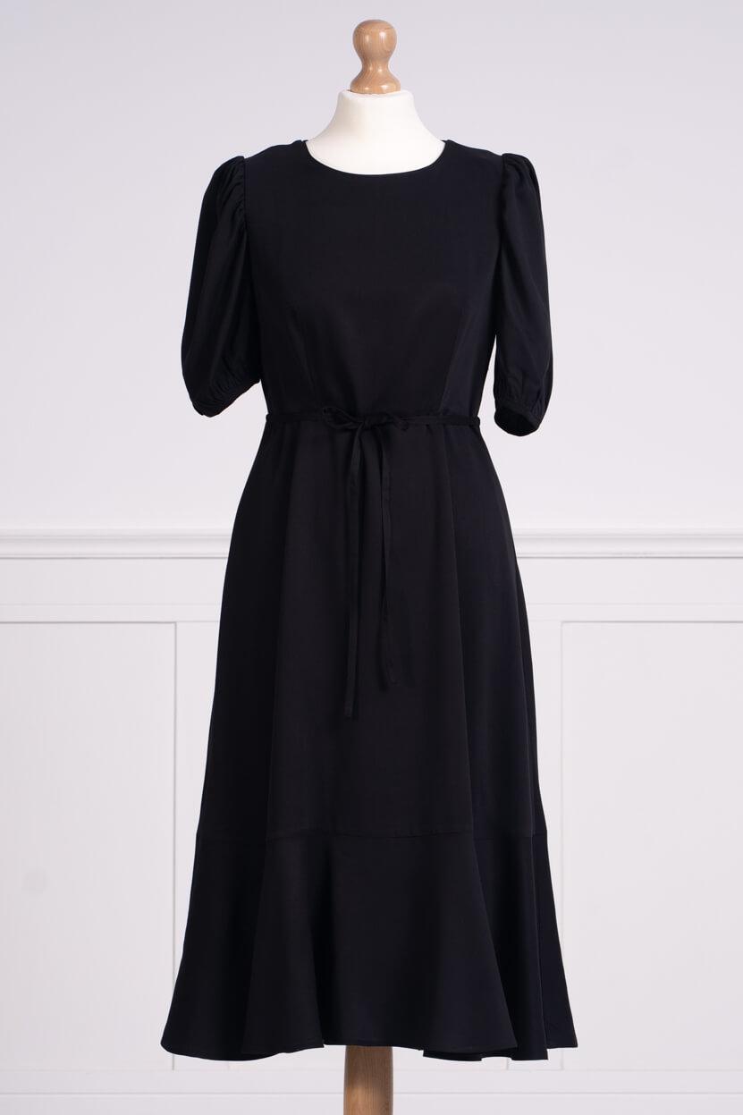 z kolekcji SPRING 2020, w kolorze czarnym, odpowiednia na pogrzeb.