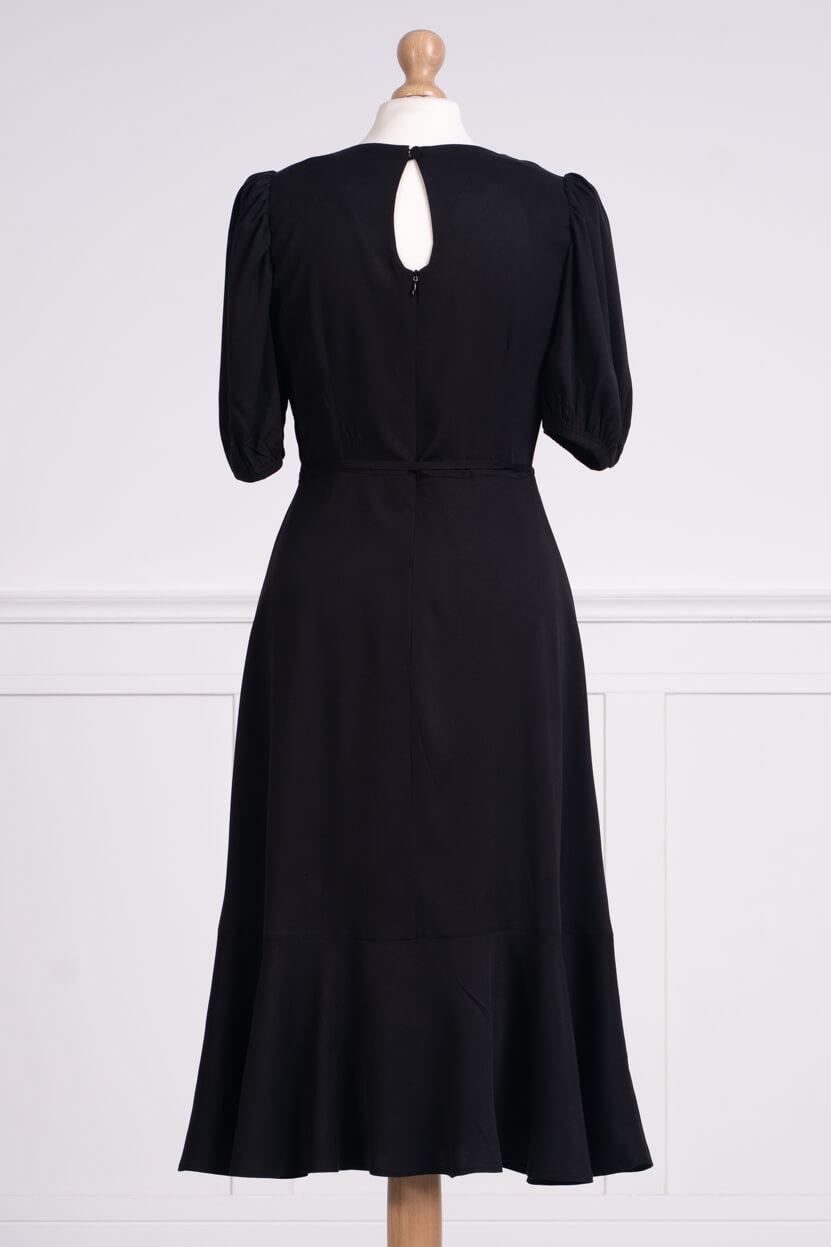 z kolekcji SPRING 2020, elegancka, wiązana w talii.