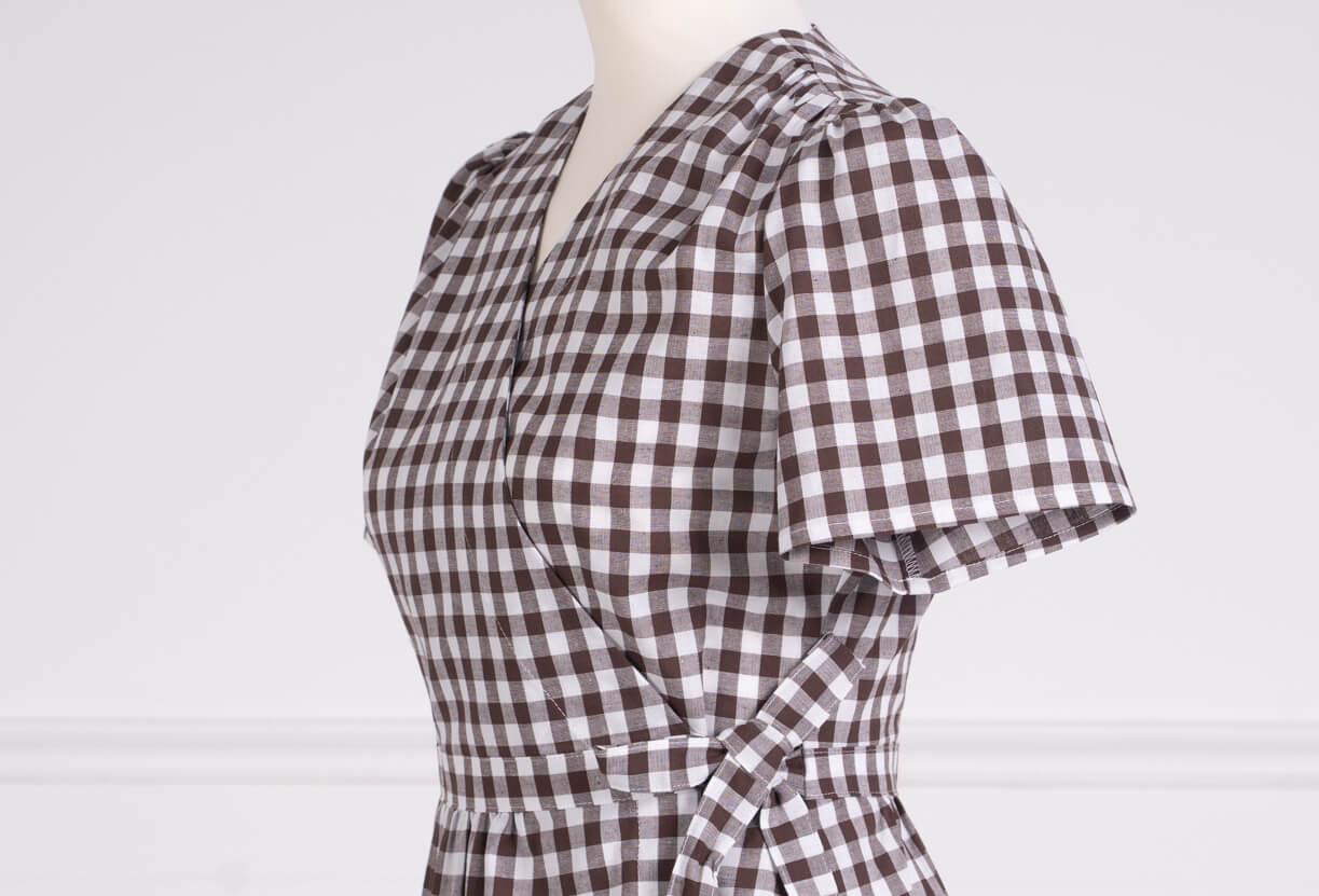 z kolekcji PRE-SUMMER 2020, o kopertowym kroju, idealna do karmienia piersią.