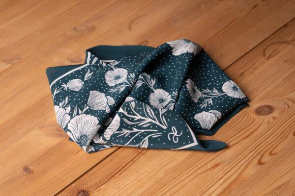 z kolekcji AUTUMN 2020,wykonana z krepy jedwabnej ,w piękny, kwiatowy wzór.