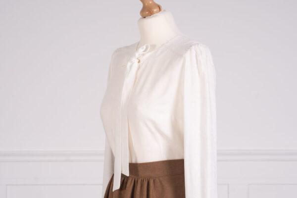 z kolekcji PRE-WINTER 2020,w kolorze białym, idealna na uroczystość