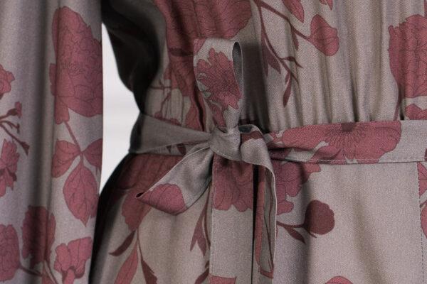 z kolekcji WINTER 2020/2021, idealna na uroczystość, z tkaniny w kwiaty.