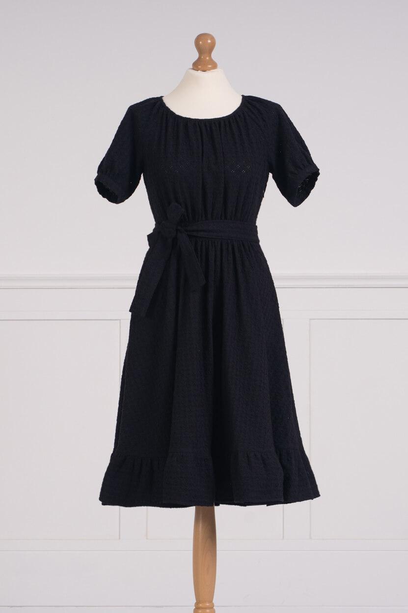 z kolekcji SPRING 2021, o dziewczęcym kroju, haftowana.