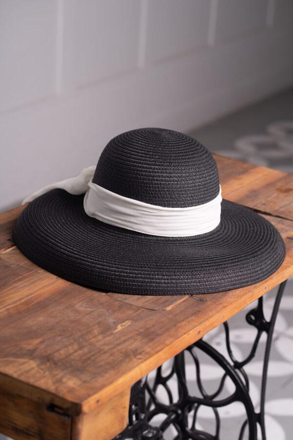z kolekcji SUMMER 2021, kapelusz z dużym rondem, w klasycznym kolorze