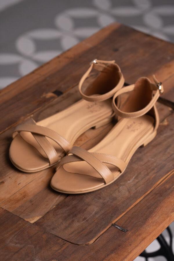 z kolekcji SUMMER 2021, sandałki na płaskim obcasie, skórzane