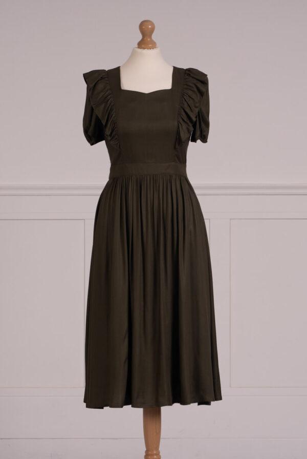 z kolekcji SUMMER 2021, sukienka ala fartuszek, idealna na co dzień