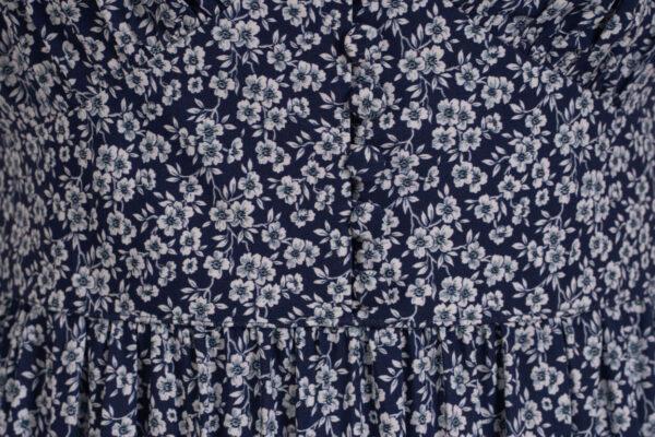 z kolekcji MID-SUMMER 2021, elegancka, w delikatny, kwiatowy wzór